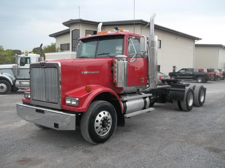 2005 Western Star 4900  Conventional - Day Cab