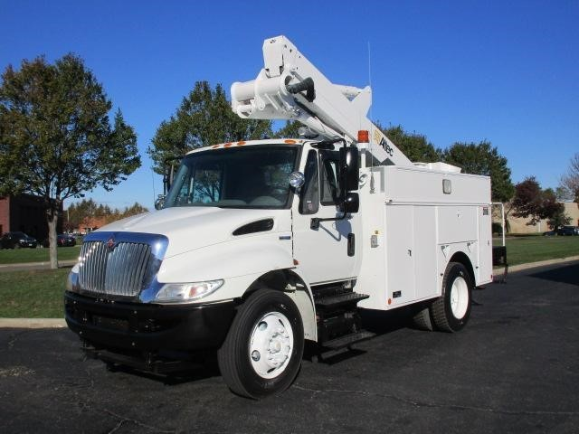 2008 International Durastar 4300  Bucket Truck - Boom Truck
