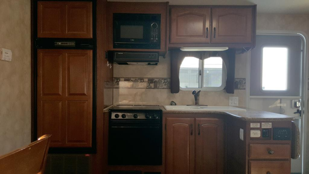 2011 Northland Arctic Fox 27T