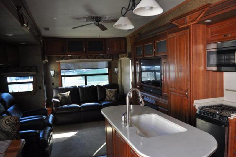 2013 Crossroads Rv RED WOOD Red Wood FW