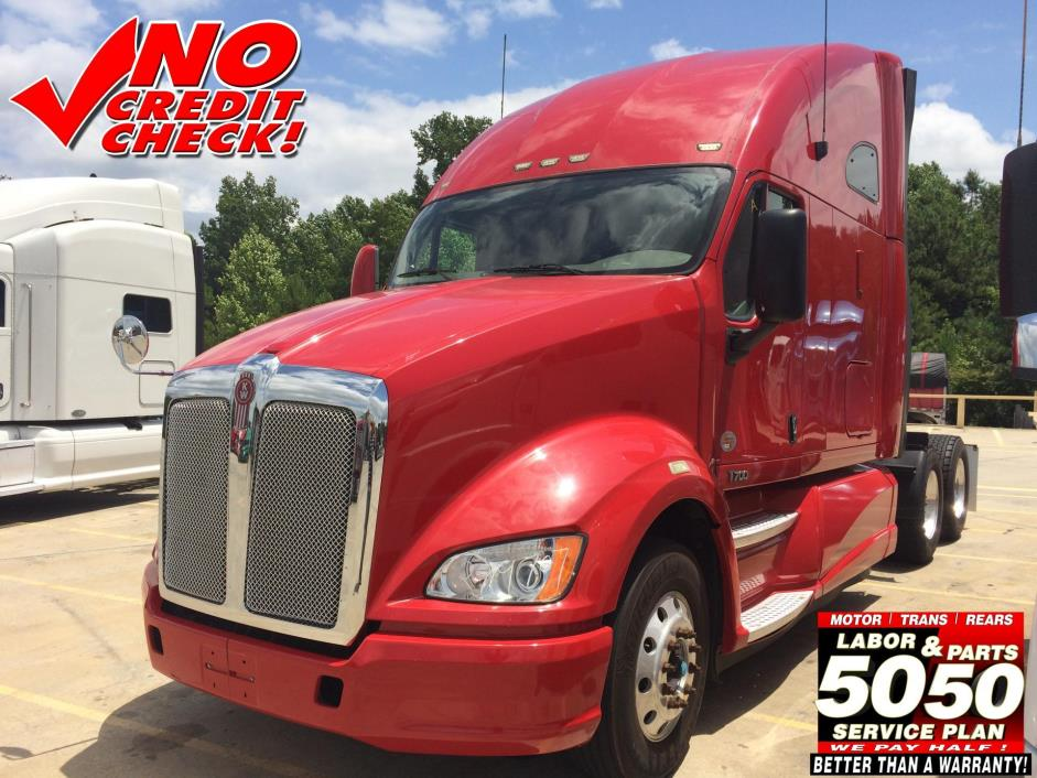 2011 Kenworth T700 Conventional - Sleeper Truck