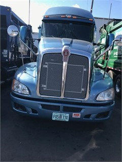 2012 Kenworth T700  Conventional - Sleeper Truck