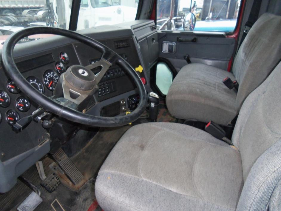 2005 Western Star 4900 Conventional - Day Cab, 4