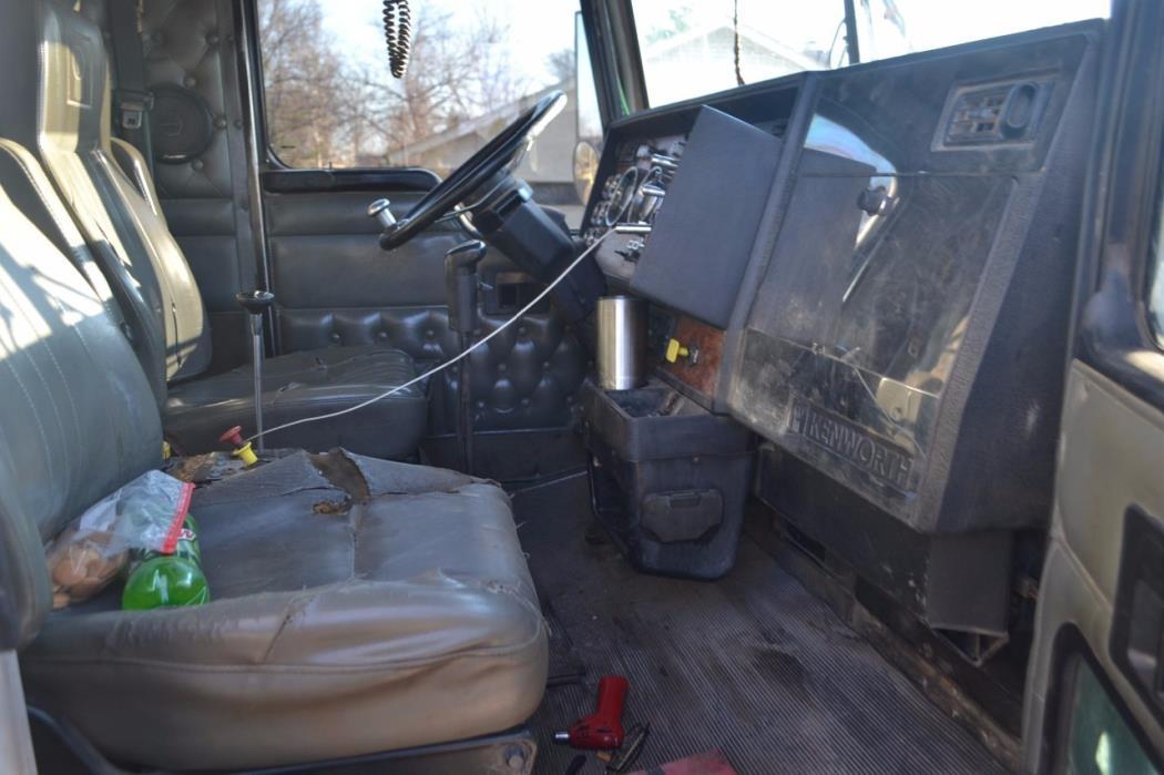 1999 Kenworth W900  Dump Truck
