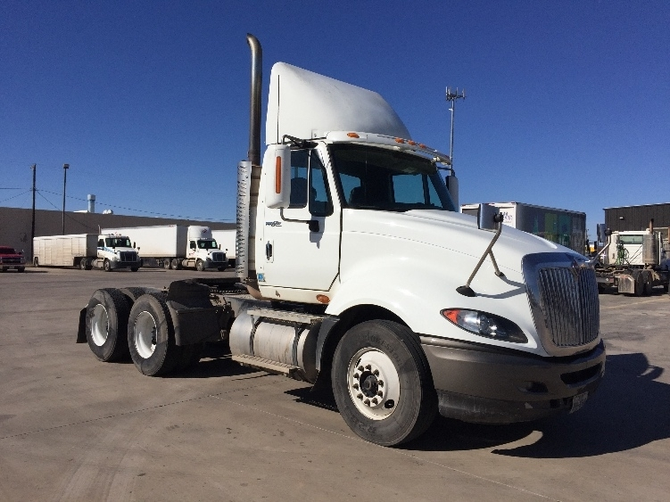 2010 International Prostar  Conventional - Day Cab