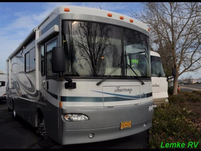2004 Winnebago Journey 32T