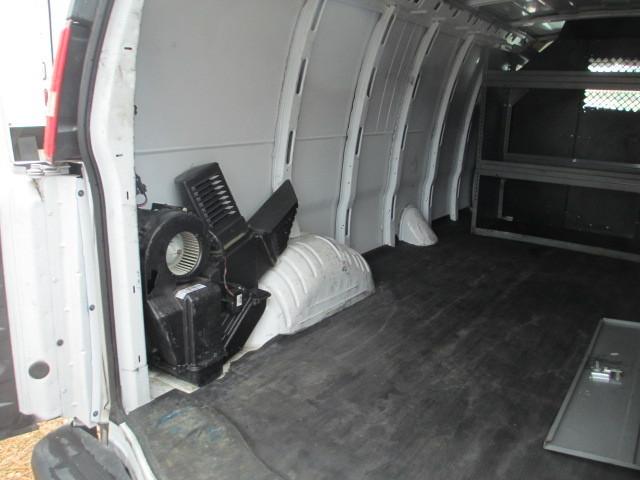 2010 Gmc Savana G3500 Cargo Van, 8
