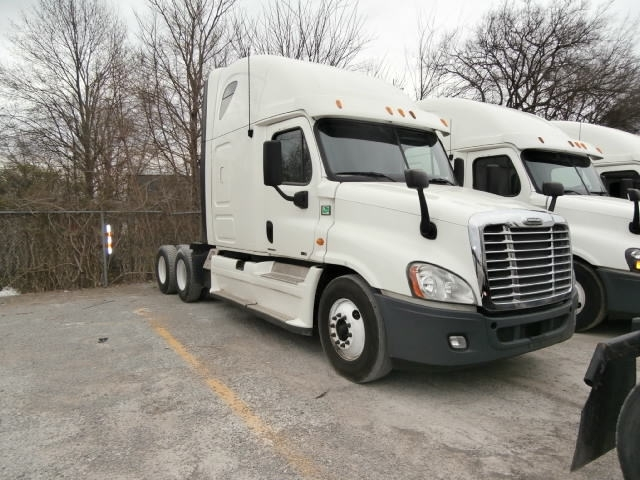 2013 Freightliner Cascadia Conventional - Sleeper Truck
