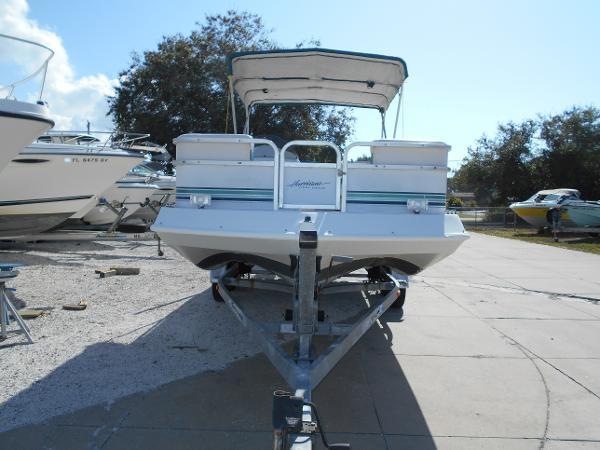 1997 Hurricane Fundeck 206 LC, 2