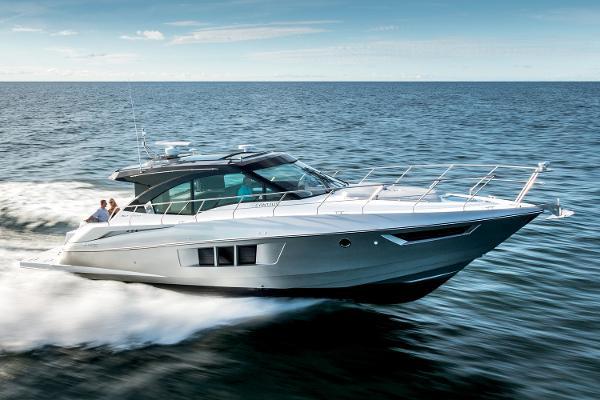 2017 Cruisers Yachts 45 Cantius
