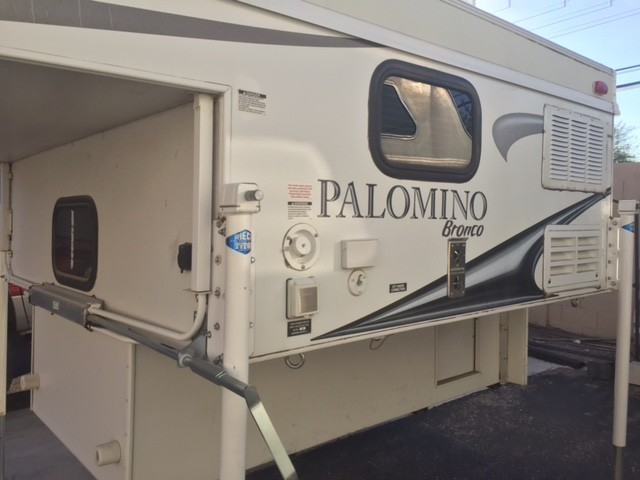 2011 Palomino B800
