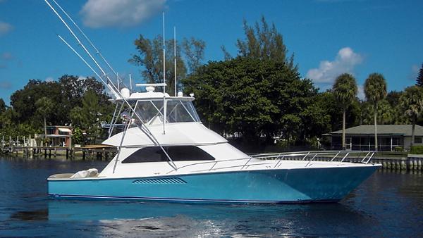 2008 Viking Yachts Convertible