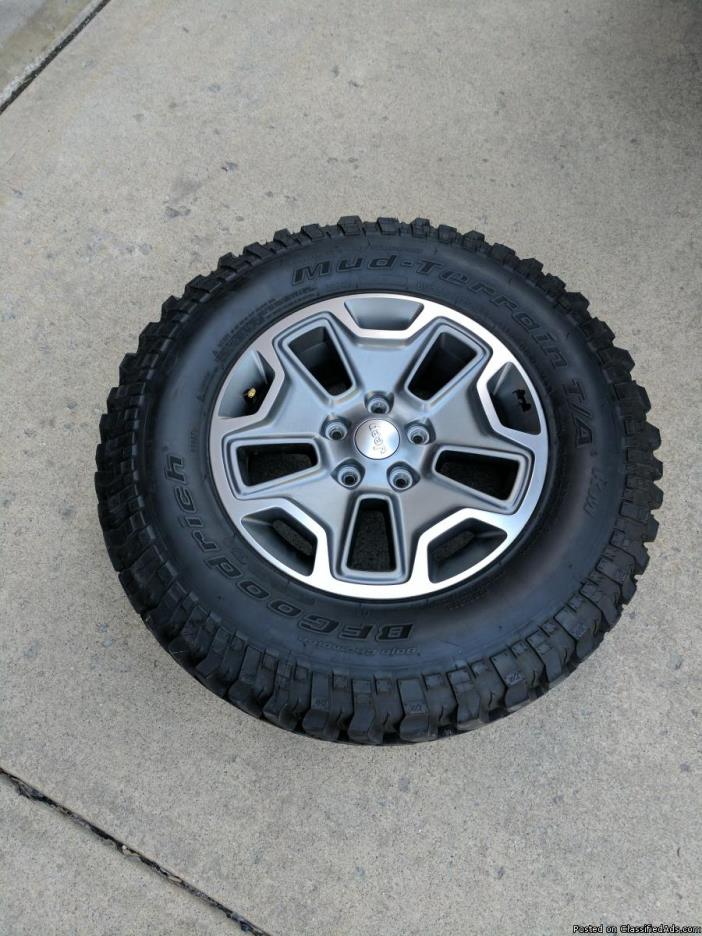 2017 Jeep Rubicon Tires and Wheels