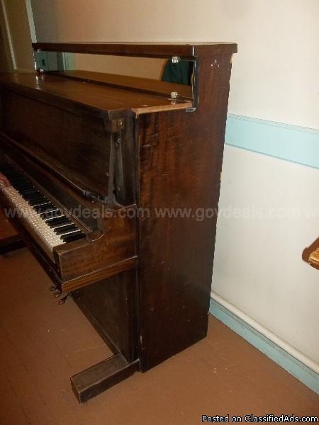 Upright Piano-Riedling Music Co., 1