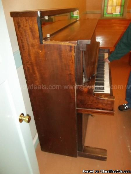 Upright Piano-Riedling Music Co., 2