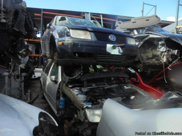 Parting out - 2002 VW Jetta - Blue - Parts - 17029