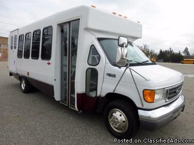 2005 Ford E450 Wheelchair Shuttle Bus (A4813)