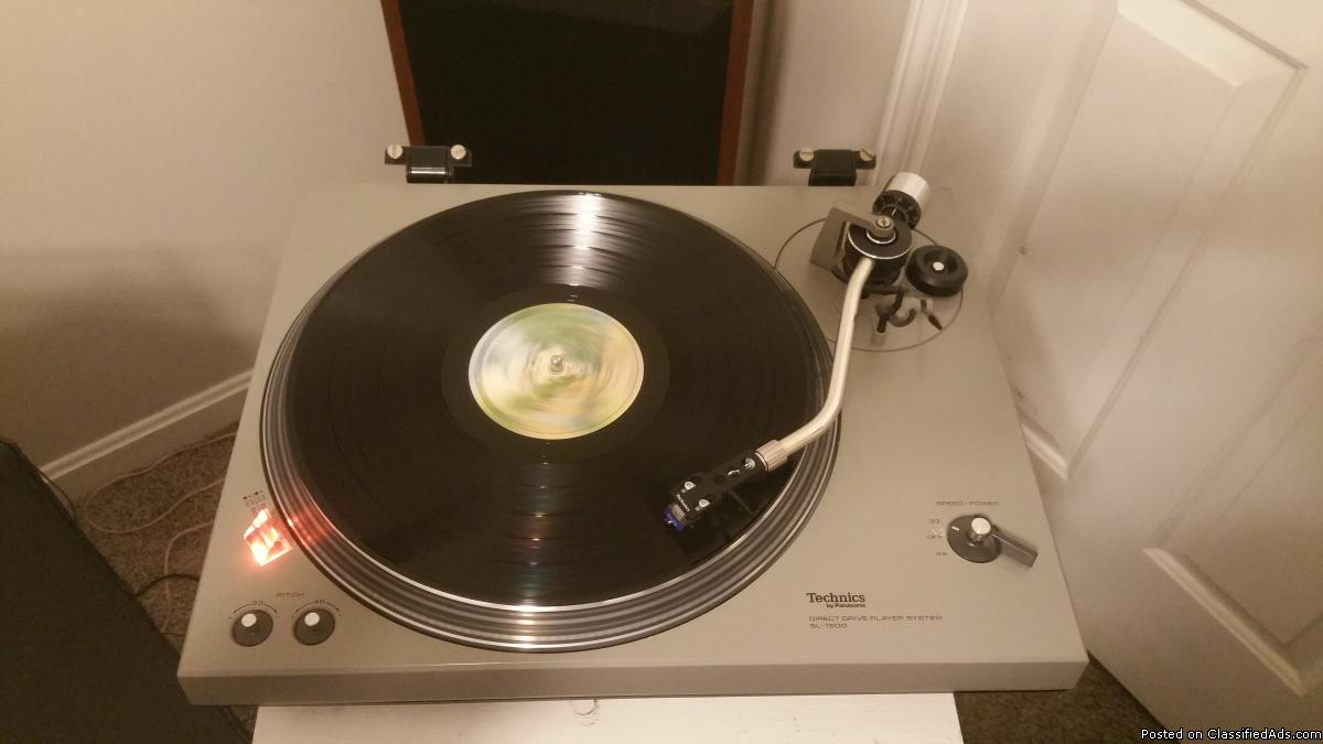 Vintage Technics SL-1500 turntable for sale