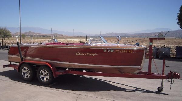 1948 Chriscraft deluxe Runabout