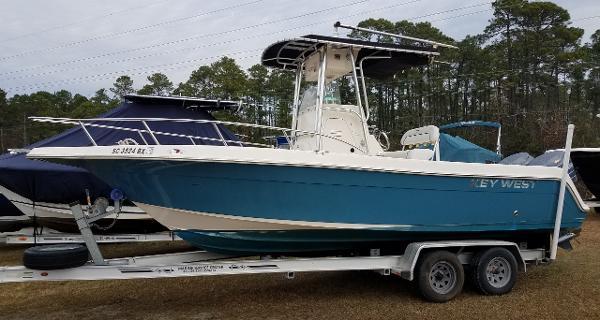 2007 Key West 2300 CC Bluewater