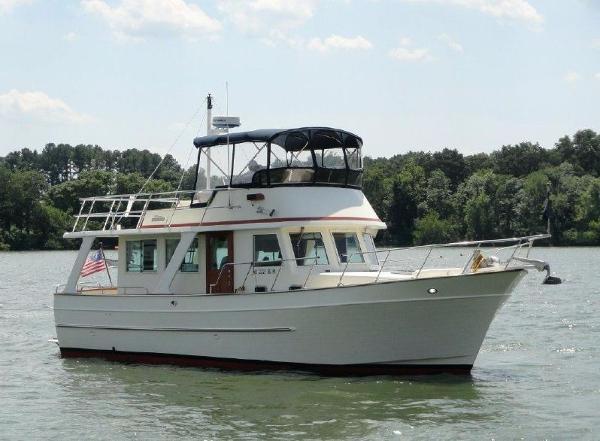 2003 Mariner 38 Orient Trawler