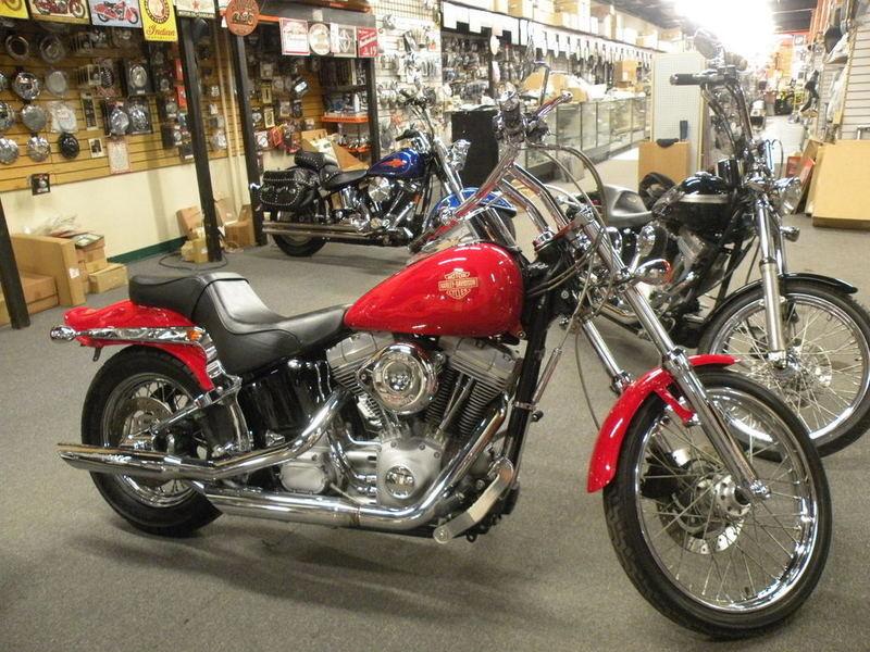 2004 Harley-Davidson FXST - Softail Standard