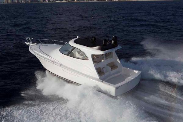 2017 Viking Yachts 42 SC