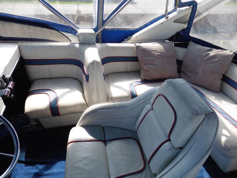 1987 Bayliner 3818, 2