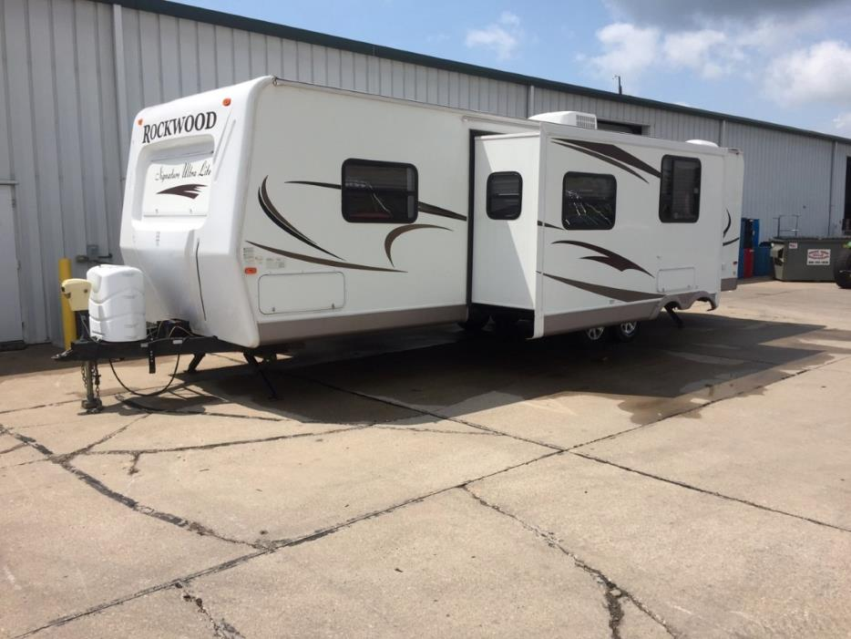 2010 Forest River ROCKWOOD ULTRA LITE 8313SS