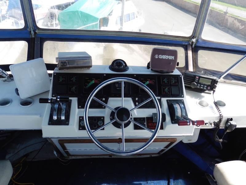 1987 Bayliner 3818, 1