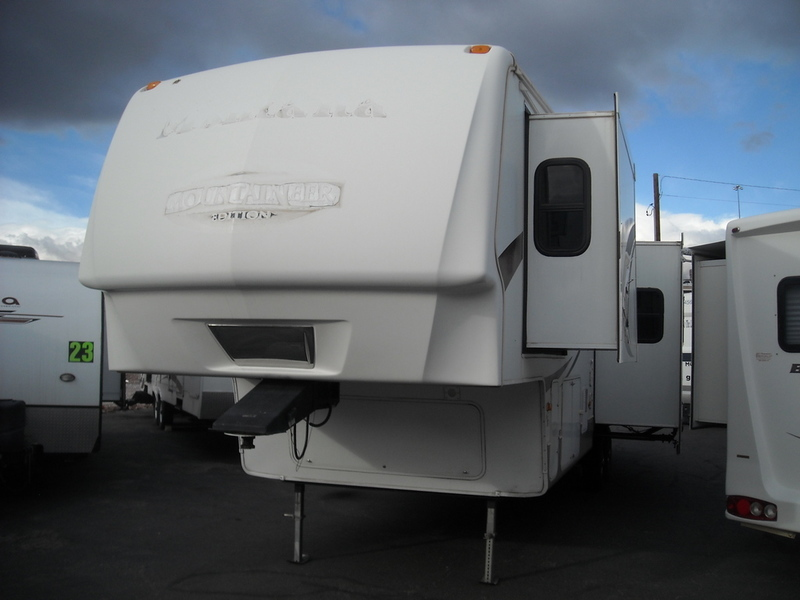 2009 Keystone Rv Montana Mountaineer 332PHT
