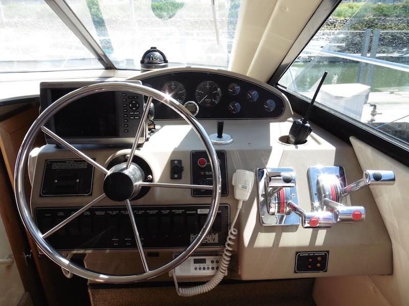 1998 Bayliner 3788, 2