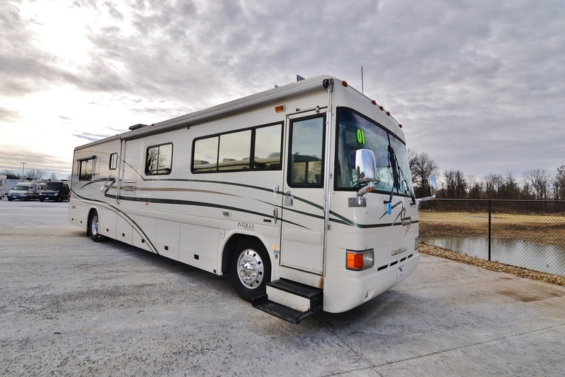 2001 Country Coach Intrugue INTRIGUE 40FT