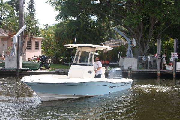2017 Grady-White Coastal Explorer 251
