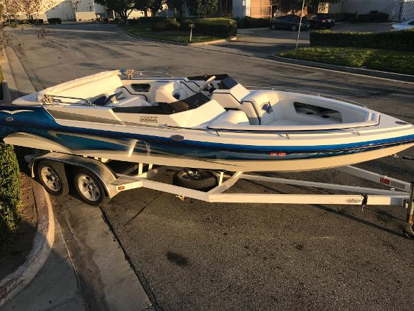 2005 ESSEX PERFORMANCE BOATS 21 Sterling