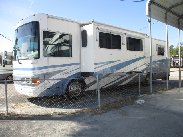 2002 National Tradewinds 37LE