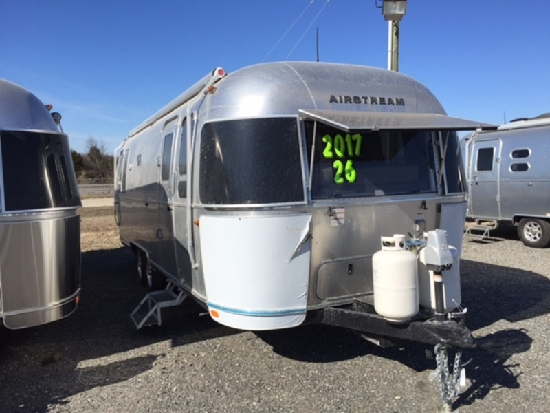 2017 Airstream FLYING CLOUD 26FC
