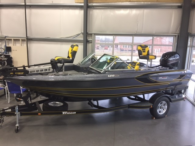 2017 TRITON BOATS 186 Escape