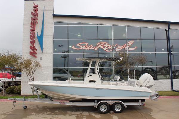 2016 Boston Whaler 240 Dauntless