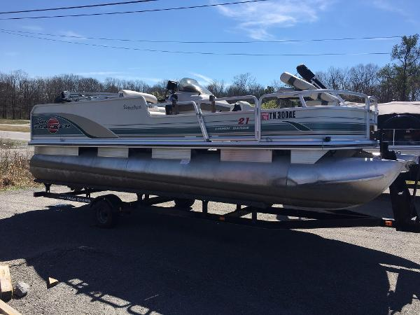2001 Sun Tracker 21 Fishin Barge