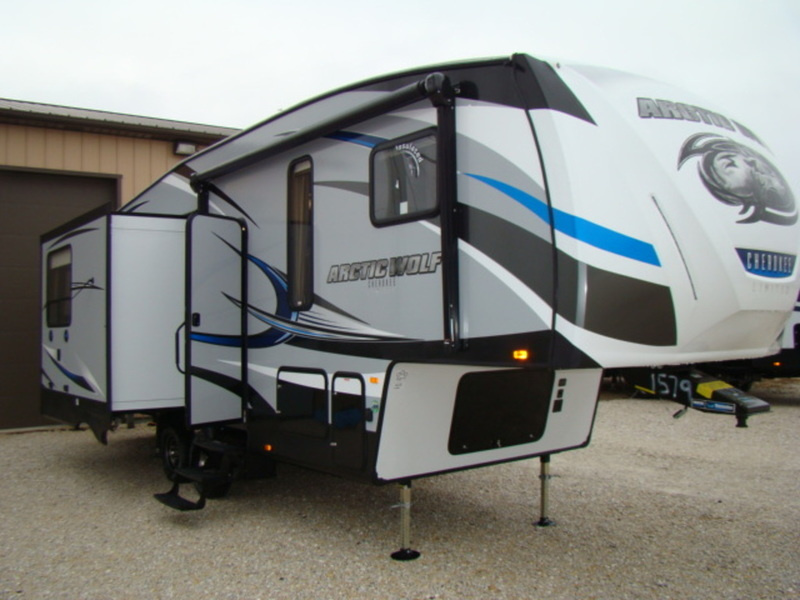 2017 Forest River Cherokee Arctic Wolf 285DRL4