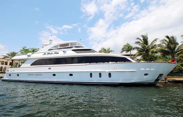 hargrave raised pilot house boats for sale in florida. Black Bedroom Furniture Sets. Home Design Ideas