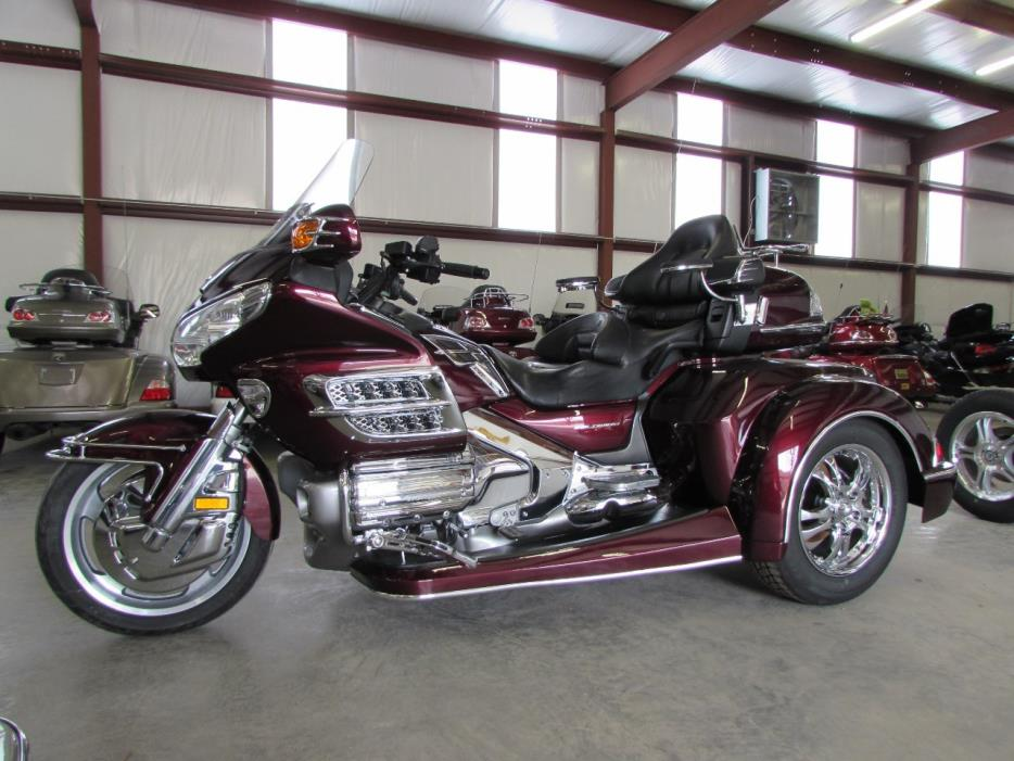 2008 Honda GOLDWING GL1800 ROADSMITH HTS TRIKE WITH RUNNING BOARDS
