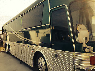 1988 SILVER EAGLE 15 MODEL 15 COACH BUS MOTORHOME .. BEAUTIFUL AND FUN TO DRIVE