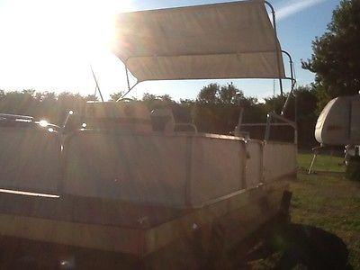 2012 Pontoon Boat
