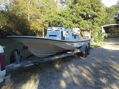 Gulf Coast 2006 22LS Fishing boat