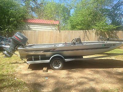 1999 Lake Sport by River Trail 18' Boat