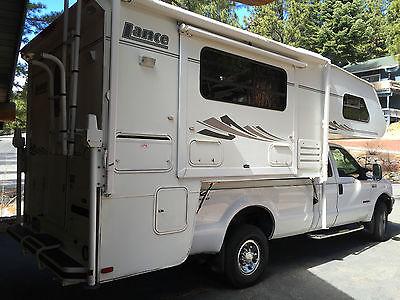 2005 Lance Truck Camper Model 1121