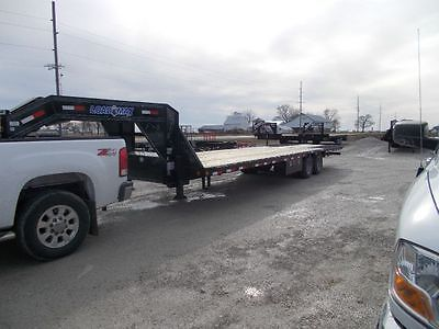 Load Trail 32' Gooseneck Trailer Hydraulic Dovetail, Hydraulic Jacks, 22000 LB