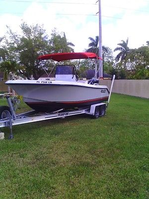 MAKO CENTER CONSOLE  22FT